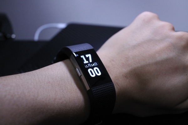 Fitbit Charge2 に保護フィルム3