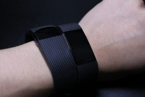 Fitbit「Charge2」を「Charge HR」と比較