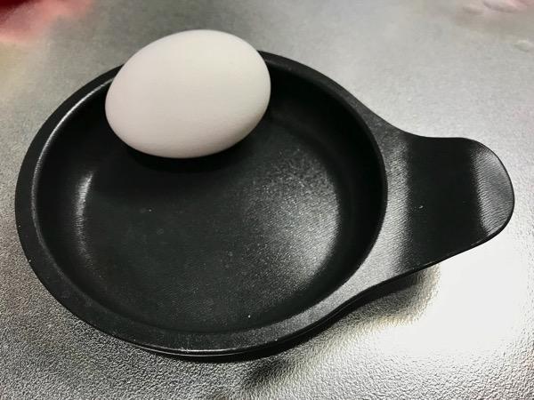 メンドくさがり屋の目玉焼きの作り方は 専用プレートをオーブンに入れるだけ3