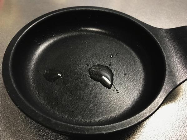 メンドくさがり屋の目玉焼きの作り方は 専用プレートをオーブンに入れるだけ4
