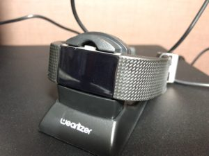 Fitbit Charge 2 充電スタンドをレビュー〜ケーブル型充電器を紛失してしまったので〜